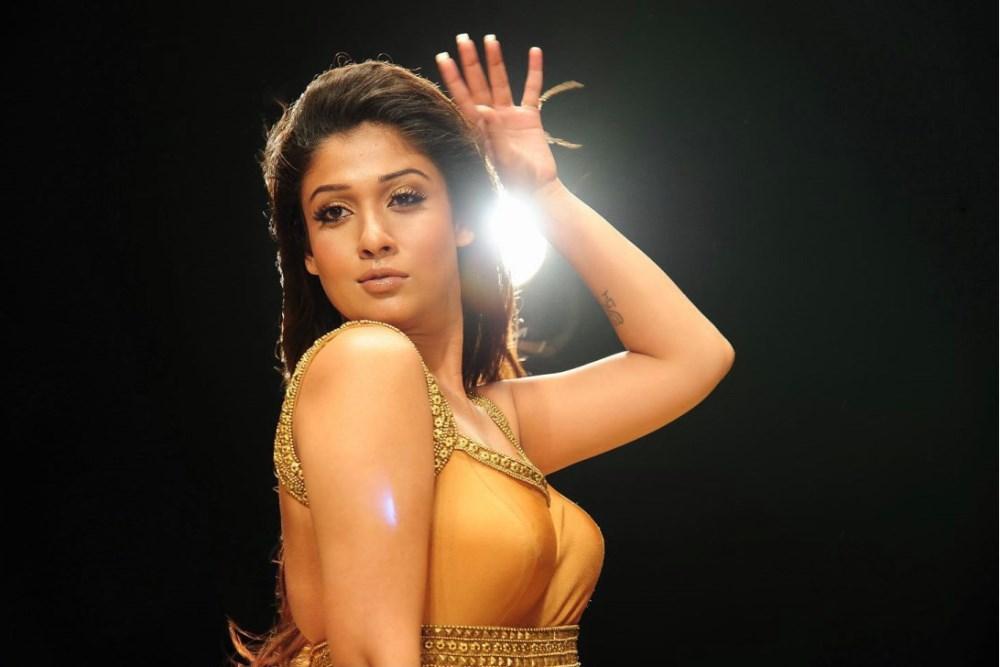 Picture 553187   Actress Nayantara Hot Pics in Krishnam ...