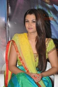 Actress Nazia Hussain Pictures @ Nee Jathaga Nenundali Teaser Launch
