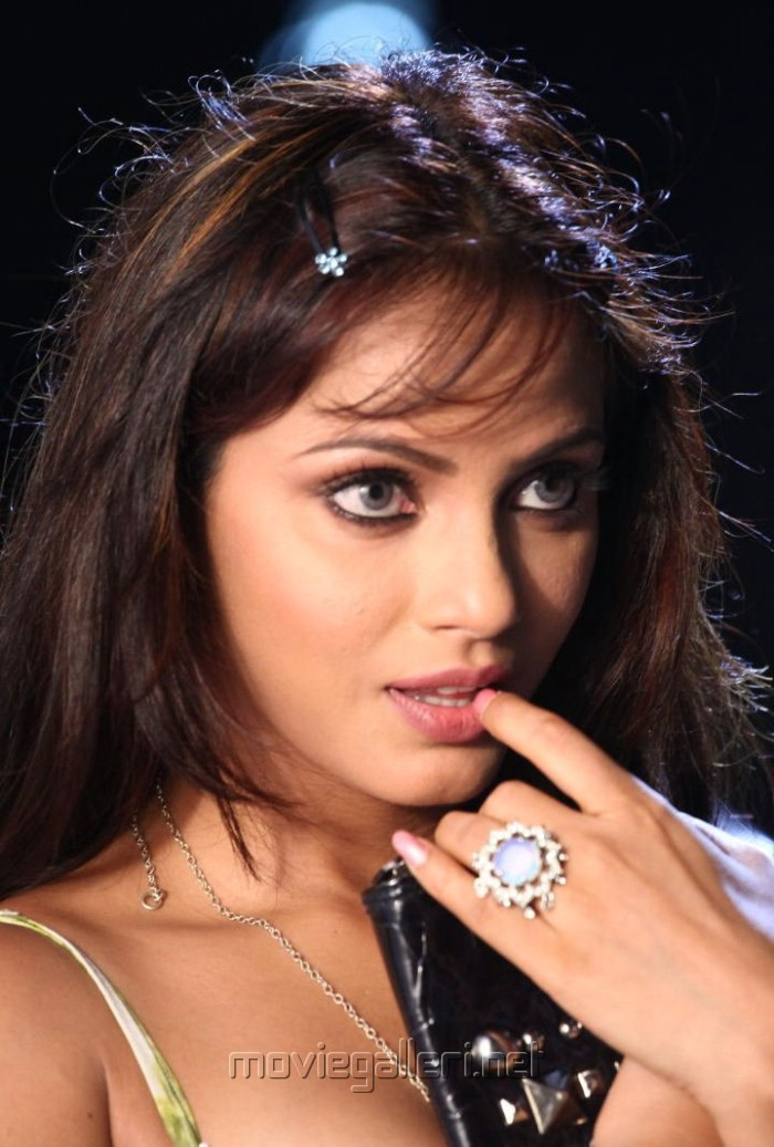 Neetu Chandra New Pictures