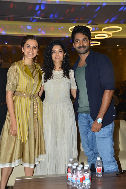 Taapsee Pannu, Ritika Singh, Aadhi @ Neevevaro Movie Press Meet Stills
