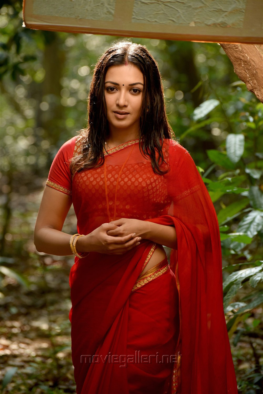 Heroine Catherine Tresa in Neeya 2 Movie Photos