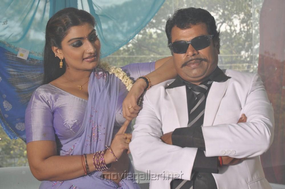 Hot mallu actress swetha menon movie stills movie photos movie