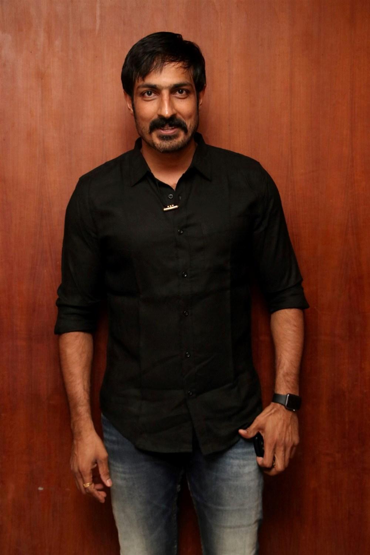 Harish Uthaman @ Nenjil Thunivirunthal Movie Team Press Meet Stills