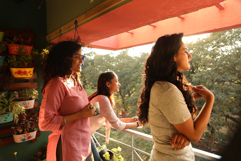 Abhirami Venkatachalam, Andrea Tariang, Shraddha Srinath in Nerkonda Paarvai Movie HD Images