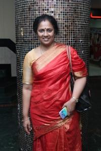 Lakshmi Ramakrishnan @ Nerungi Vaa Muthamidathe Movie Premiere Show Stills