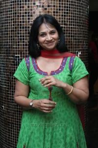 Nerungi Vaa Muthamidathe Movie Premiere Show Stills