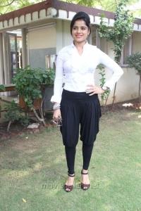 Actress Piaa Bajpai @ Nerungi Vaa Muthamidathe Press Meet Stills