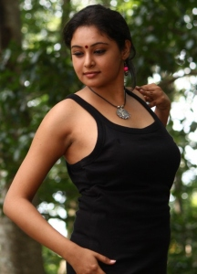 Actress Arundhati in Netru Indru Hot Pics