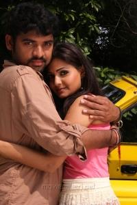 Vimal, Nandagi in Netru Indru Movie Stills