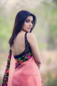 Actress Rashmi Gautam in Next Nuvve Movie Stills HD