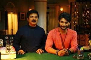 Brahmaji, Aadi in Next Nuvve Movie Stills HD