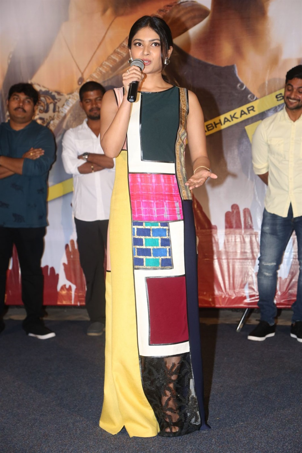 Vaibhavi Shandilya @ Next Nuvve Movie Trailer Launch Stills