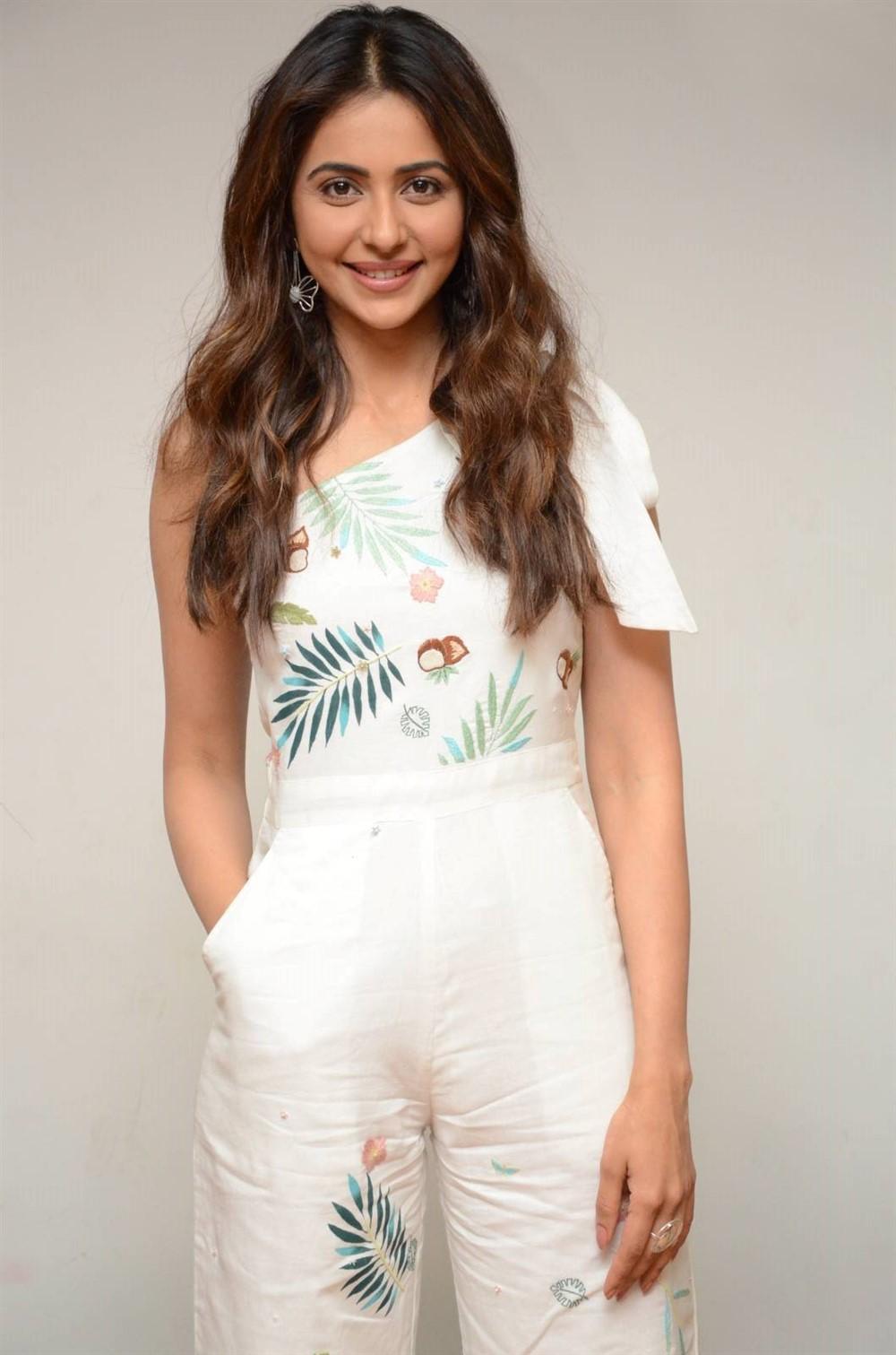 Actress Rakul Preet Singh @ NGK Movie Interview Stills