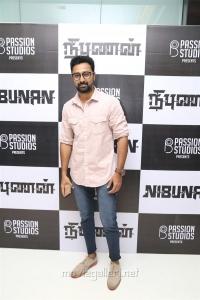 Actor Prasanna @ Nibunan Movie Premiere Show Photos