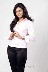 Niharika Singh Hot Photo Shoot Stills