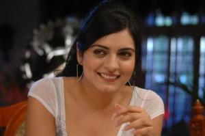 Niharika Singh Hot Pictures