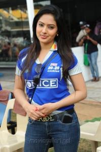Actress Nikesha Patel at CCL 2012 Match