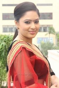 Tamil Heroine Nikesha Patel Latest Hot Pictures