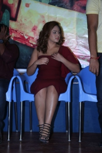 Actress Nikesha Patel Stills @ Araku Road Lo Press Meet