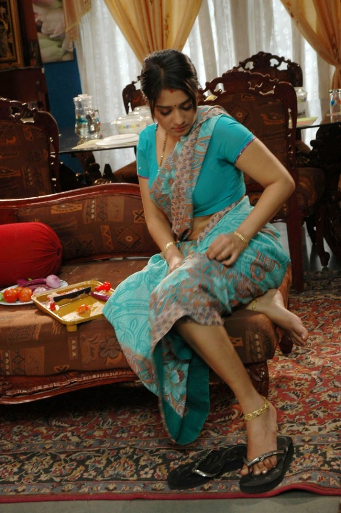 Nikitha Hot Saree Pics in Apartment Movie