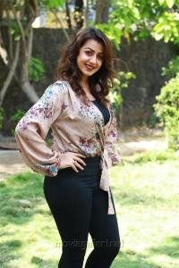 Actress Nikki Galrani Pics @ Kalakalappu 2 Press Show