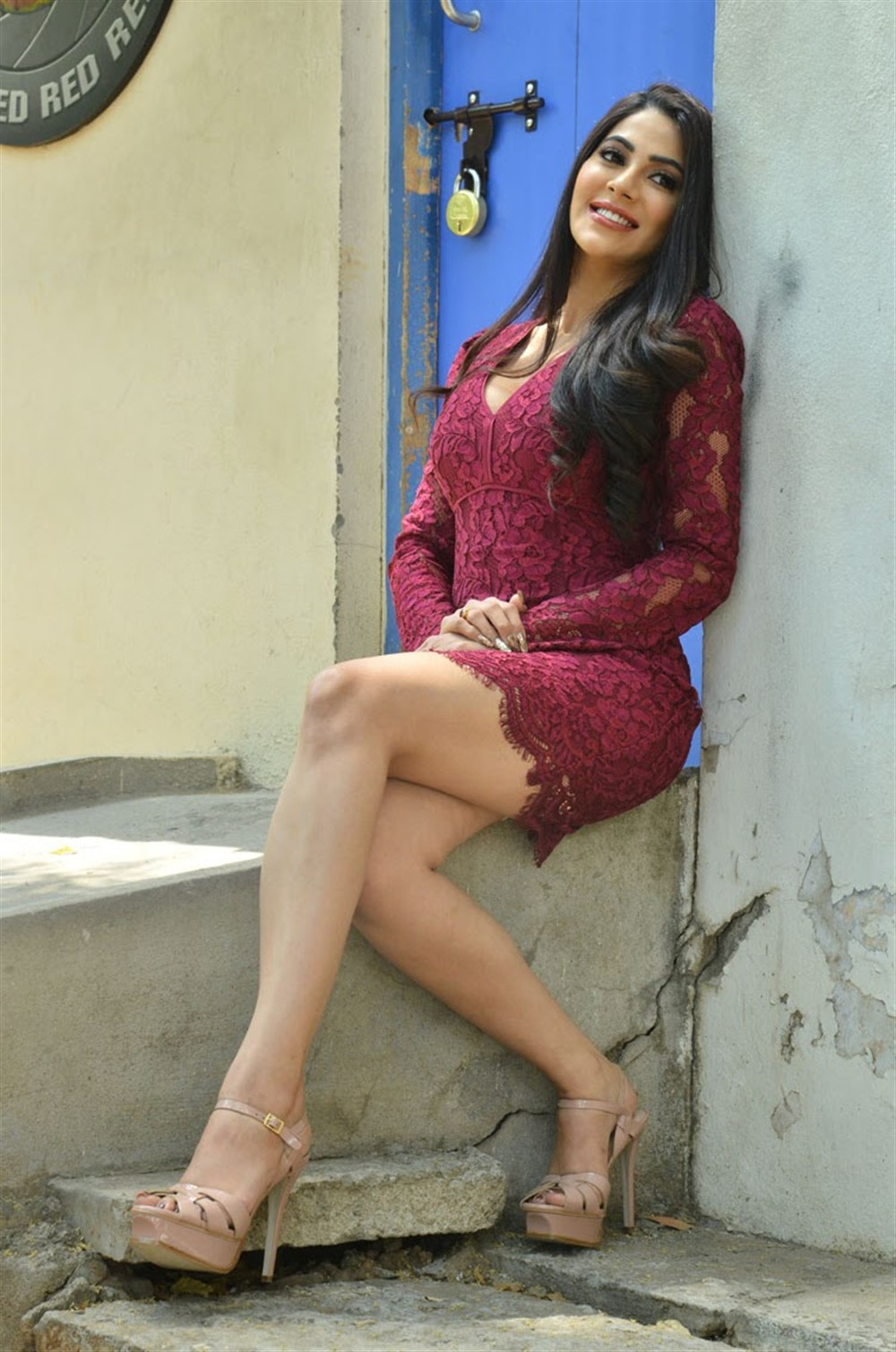 Actress Nikki Tamboli New Stills @ Chikati Gadilo Chithakotudu Thanks Meet