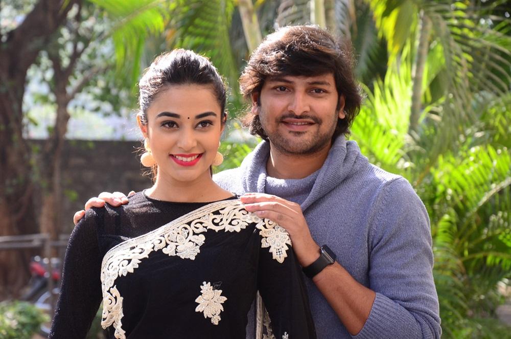 Stefy Patel, Vamsi Yakasiri @ Ninnu Thalachi First Look Launch Stills