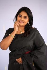 Telugu Actress Nirosha Ramki Images in Black Saree
