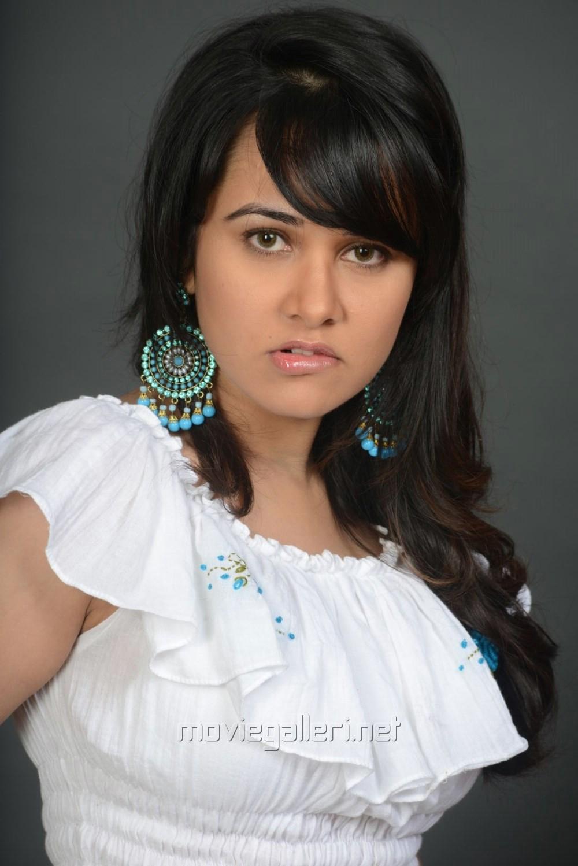 nisha kothari hot images in adavi