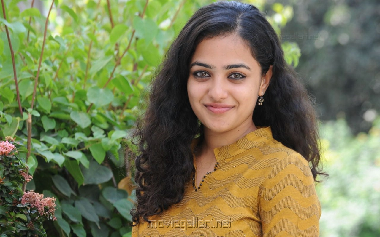 - cute_nithya_menon_latest_new_wallpapers_3941