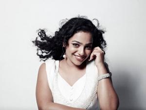 Nithya Menon Photo Shoot Pics, Nithya Menon 180 Movie Hot Stills