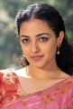 Actress Nitya Menon Saree Pics in Okkadine