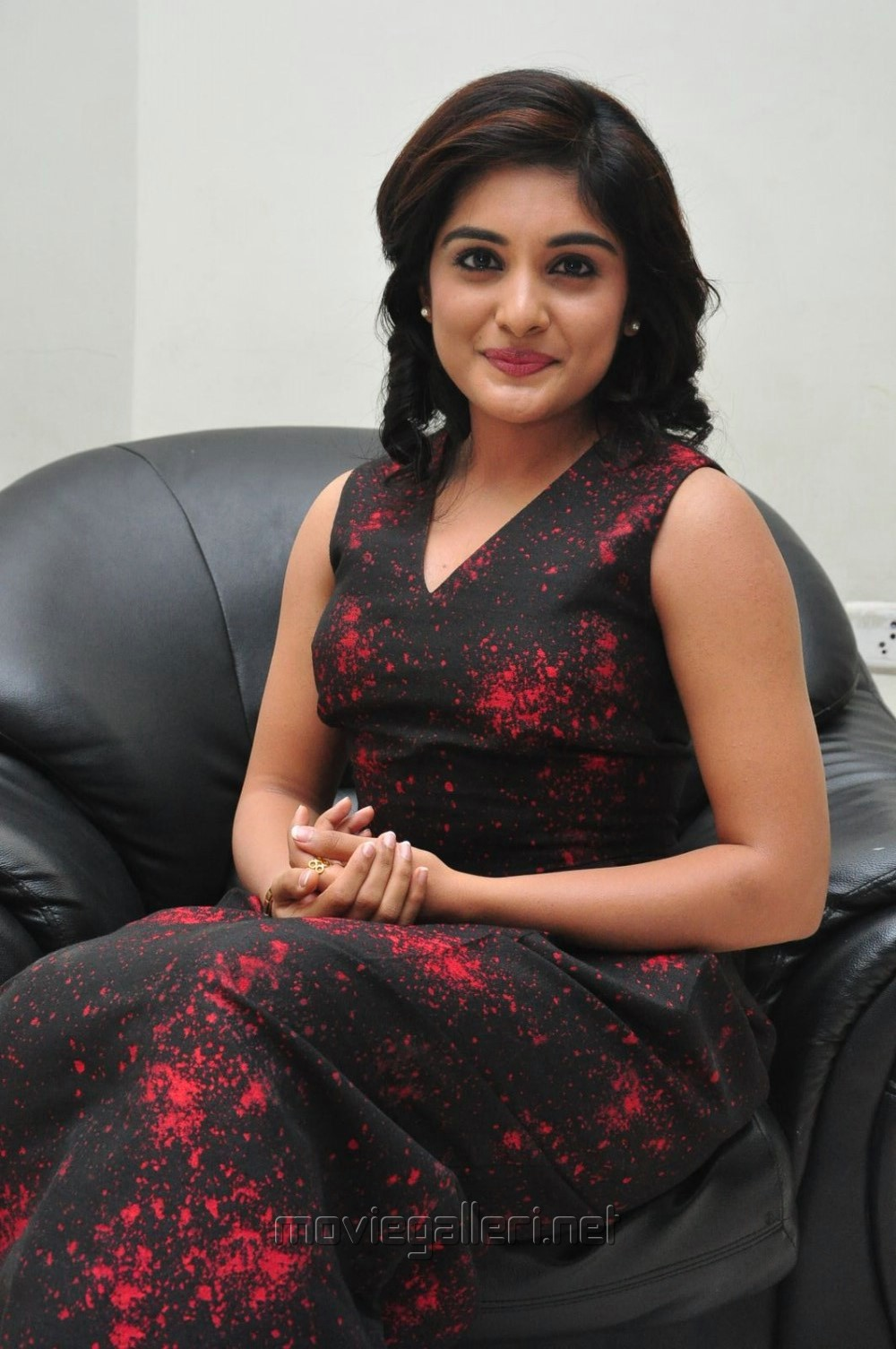 Gentleman Actress Niveda Thomas Stills