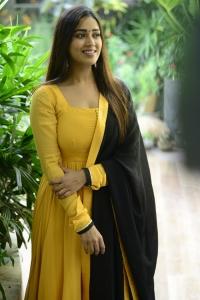 Actress Nivetha Pethuraj Yellow Salwar Photos @ Red Movie Interview