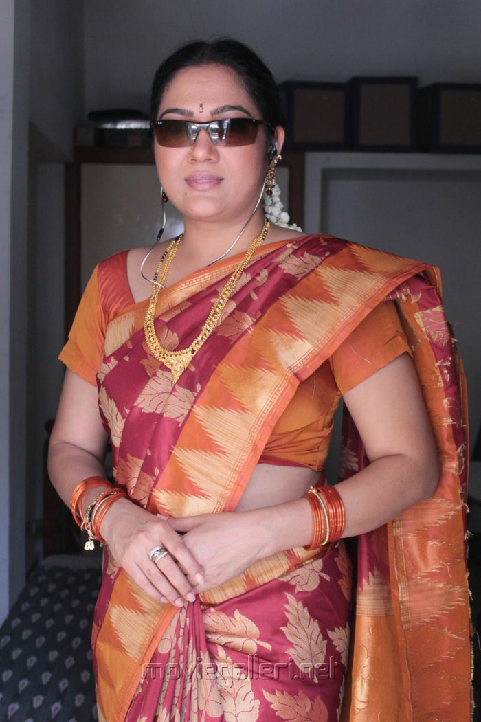Picture 251699   Telugu Supporting Actress Hema at NRI Movie Working Stills   New Movie Posters