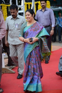 Daggubati Purandeswari at NTR 90th Jayanthi Celebrations @ NTR Ghat Photos