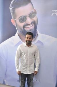 Jr NTR Press Meet about 'Nannuku Prematho' Movie