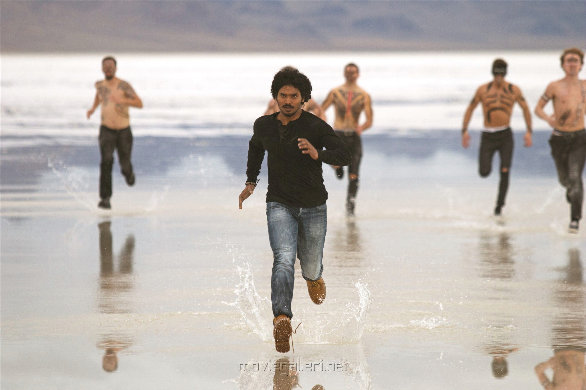 Hero Sudhakar Komakula in Nuvvu Thopuraa Movie Stills HD