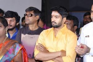 Actor Santhanam @ Odi Odi Uzhaikkanum Movie Pooja Stills
