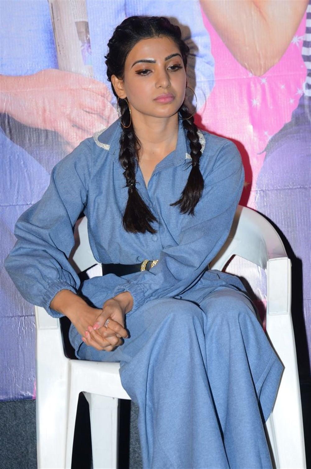 Actress Samantha @ Oh Baby Movie Press Meet Stills
