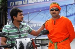 Udhayanidhi, Santhanam in OK OK Telugu Movie Stills