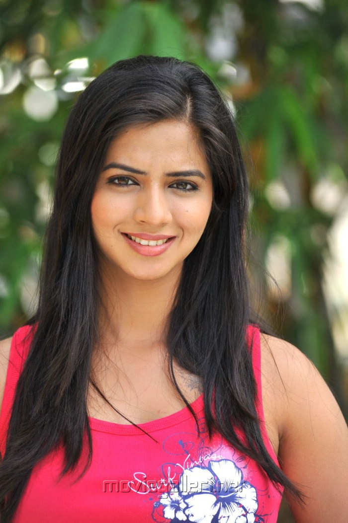 Nisha serial actor nandini