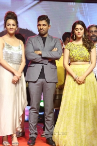 Seerat Kapoor, Allu Arjun, Surbhi @ Okka Kshanam Pre Release Function Stills