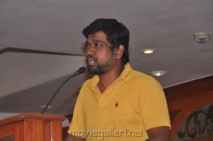 Oru Kal Oru Kannadi Press Meet Stills