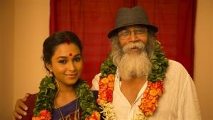 Velu Prabakaran, Swathi Shanmugam in Oru Iyakkunarin Kadhal Diary Movie Photos