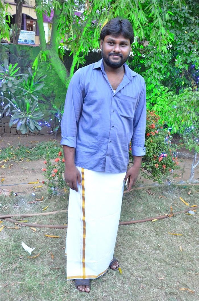 Cinematographer RV Saran @ Oru Kidayin Karunai Manu Movie Audio Launch Stills