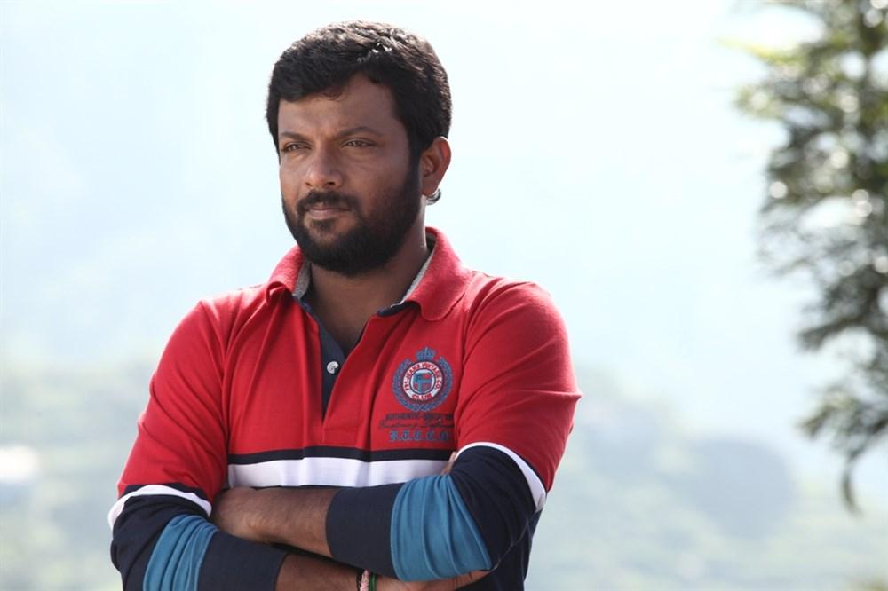 Choreographer Master Dinesh Kumar in Oru Kuppai Kathai Movie Photos