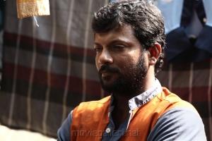 Dinesh in Oru Kuppai Kathai Movie Stills