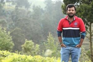 Choreographer Dinesh in Oru Kuppai Kathai Movie Stills
