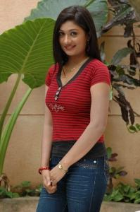Oru Mazhai Naangu Saaral Tamil Movie Heroine Pics